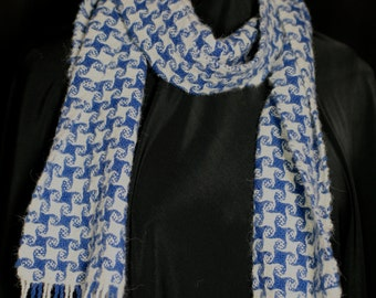 Alpaca hand woven scarf in blue and white