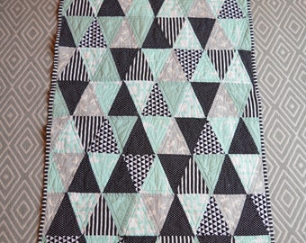 Triangle Crib quilt