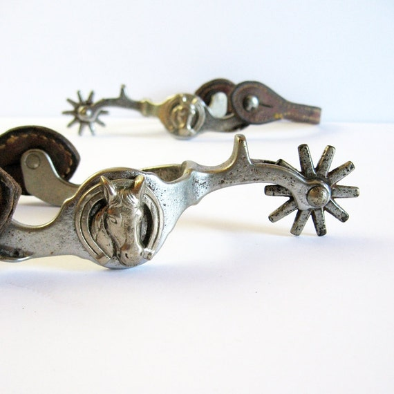 vintage horse head spurs leather straps country western