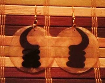 Hand Painted Adinkra Shell Earrings - Ako-ben - Vigilance