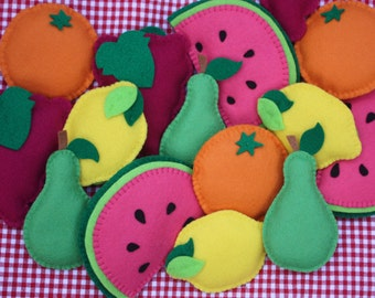 Felt fruit & vegetable bunting.Kitchen wall decor | Pantry | Utility room | Wall decor | Garland | Farmer's market | Fun New Home gift | Art