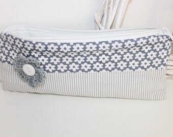 Spring bag / pencil case
