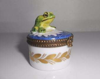 Limoges Box Frog Toad Lily Pad Trinket Box Hand Painted P.V. Parry Vieille