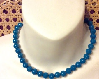Vintage 1960's acrylic turquoise colored beads collar necklace.