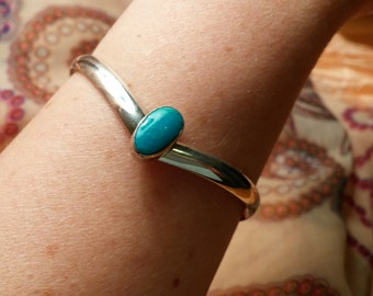 Classy Vintage Sterling Turquoise Cuff Bracelet Signed