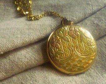 Antique LOCKET Necklace - Gold Filled