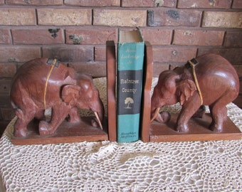 Sale-Vintage Elephant Bookends With Tusk.