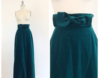70s PUCCI Green Velvet Skirt / 1970s Vintage Designer Maxi Skirt / Medium / 27 inches