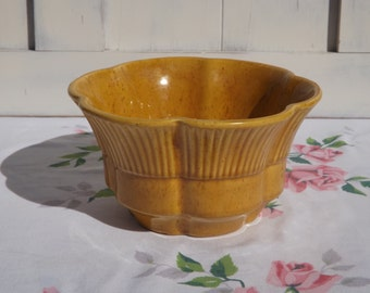 Vintage Haeger Planter/Gold Scalloped Edge Pottery/Haeger USA 156/Indoor Gardening/Home Decor