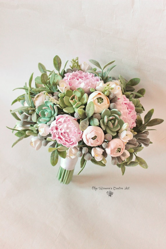 Alternative wedding bouquet Keepsake succulent bouquet Bohobouquet Bridal bouquet with succulents and peonies Green ecowedding Clay flowers