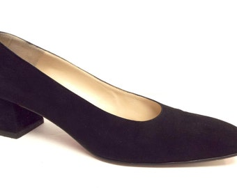 Vintage CHRISTIAN LOUBOUTIN Size 8 Black Suede Heels Pumps Shoes 38.5
