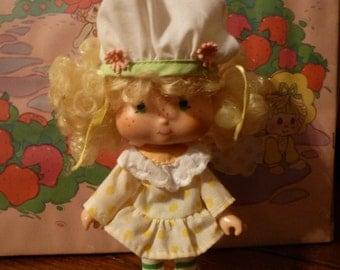 Vintage Strawberry Shortcake Doll: Lemon Meringue
