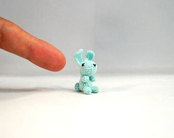 Nano Crocheted Bunny - extreme miniature crochet