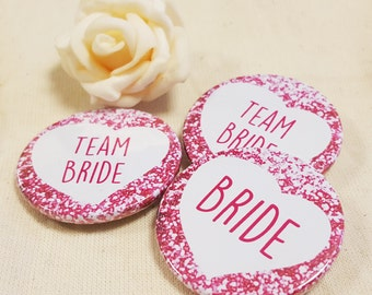 38mm (1.5inch) Size - Quirky Heart Hen Do Badges / Hen Party Badges / Wedding / Team Bride Badge (A Set) - Printed Glitter