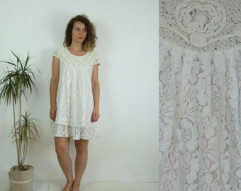 ON SALE 90's vintage women's white lace mini dress