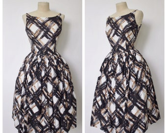 Vintage 1950s Dress   50s Striped Dress   50s Harlequin Dress   M