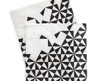 Black and White Geometric Dinner Napkins (Set of 20)