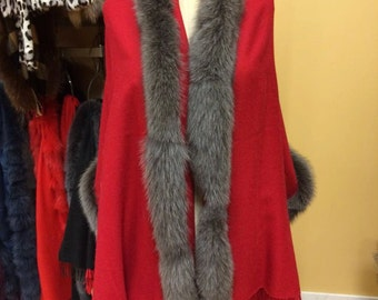 Pashmina shawl scarf with genuine fox fur trim