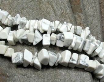 "Howlite Chip Beads - 16"" strand - Item B0717"