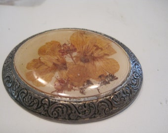 antique dried flower pin,..engraved frame