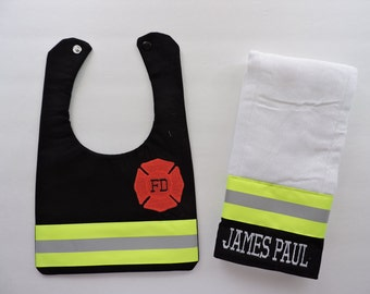 Firefighter Baby Personalized matching bib with name and Burp cloth, baby shower gift, New baby Gift Black