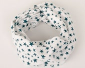 Baby infinity scarf with snaps, green stars white flannel baby scarf, teething bib, fashion drool bib, warm absorbent scarf for babies 6-18M