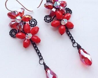Red flower Chandelier earrings/Bead earring/Red Dangle earring/Red long earring/Red Flower earring/crystal red earring
