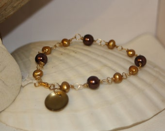 Freshwater Pearls & Gold