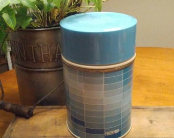 King Seeley Short Wide Mouth THERMOS, OMBRE' Blue Checkerboard pattern Hot/Cold Thermos, Steel Thermos, Plastic Cup, 1 Pint