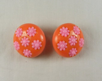 SALE ~ 50% OFF ~ Bright Bakelite Peach & Pink Flower Clip Earrings