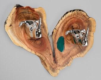 Carob Heart Rhino Hook Rack