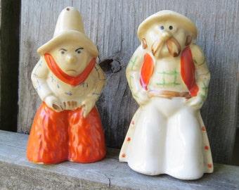 Cowboy/Gun Slinger Salt and Pepper Shakers Funny western style -  Japan Vintage salt and pepper shakers