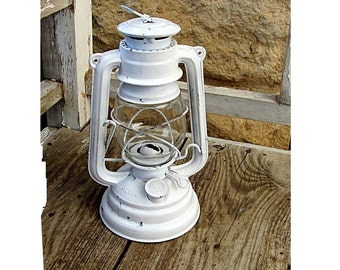 French country decor. Lantern vintage. White lantern. Oil lamp. Oil lantern. Kerosene lamp. Shabby chic lantern. Distressed. Wedding decor.