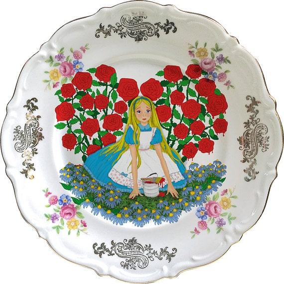Alice in Wonderland - Roses - Vintage Porcelain Plate - #0418