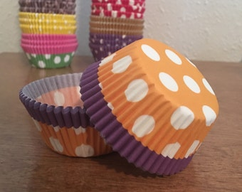 50 Polka dot cupcake liners / wrappers - regular size - Orange, Purple and White from Bakell