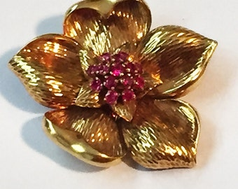 Vintage Tiffany and Company Flower Brooch with Rubies 18Kt Gold 1950's