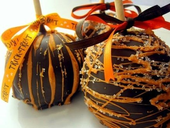 Fancy Trick or Treat Caramel Candy Apple Soy Candles