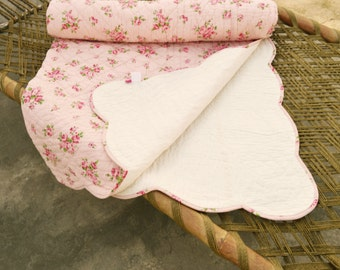 Shabby Chic quilted bedspread, rose print, cotton quilt, romantic, 100% cotton, 60X90 inches