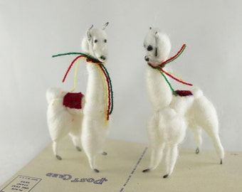 Vintage Small Spun Cotton Pair of Llamas, Vintage Miniature Cotton White Llama or Alpaca