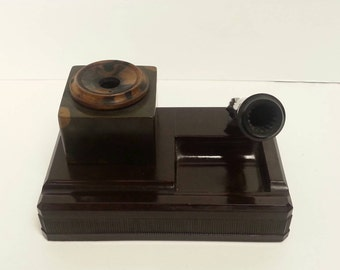 Free Shipping!! Vintage Bakelite Desk Pen Holder With Ink Well