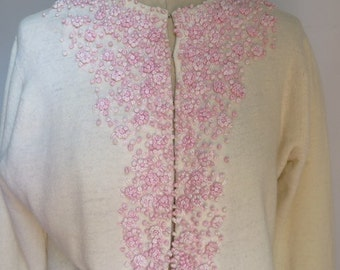 Embroidered Cardigan//Vintage Cardigan//Beaded Cardigan