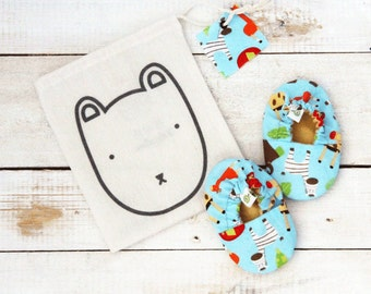 Animals reversible baby shoes