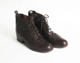 vintage  Aigner chocolate brown leather ankle boots