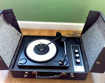 Record Player,Vintage, AMC, Stereophonic , Solid State , All Transistor