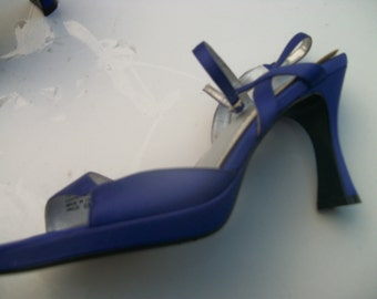 Pretty in PURPLE HOLLYWOOD Satin HEELS, Strappy Ankles, Open Toes ,6 M