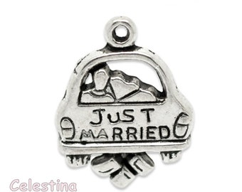 10 Antique Silver Just Married Wedding Charms Pendants NF LF Bride & Groom Weddings Favours 20mm - Honeymoon Charms  TS507