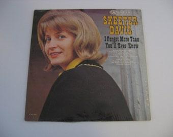 Skeeter Davis - I Forgot More Than You'll Ever Know - Circa 1964