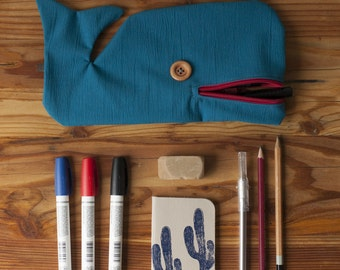 Moby Dick case pencil paintings, gift for school entrance, eat more than 12 pencils, Hello originality, handmade, Coop La Machine