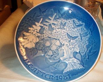 Vintage Bing Grondahl (B & G) Denmark Plate, 1981, Blue White