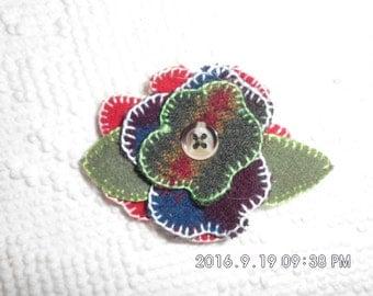 Handmade felted 100% wool flowered hair pins.